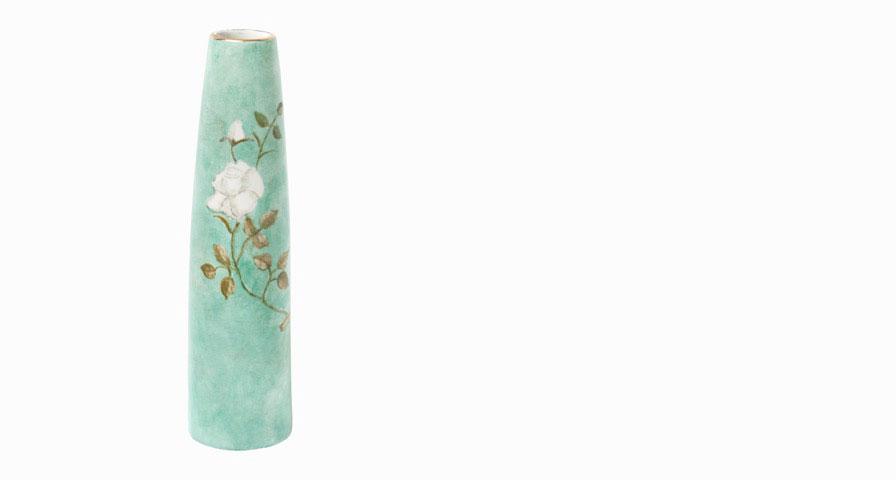 Vase à la fleur blanche